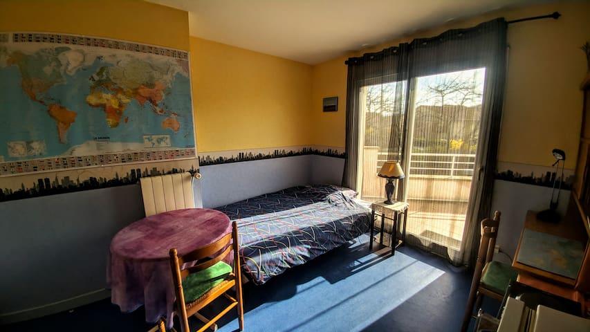 Chambre avec terrasse près du campus des Cézeaux