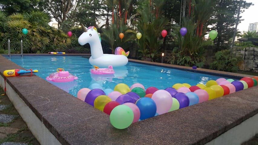 RM1500 4 bed/3-bath bungalow & pool - Kuala Lumpur - Hus