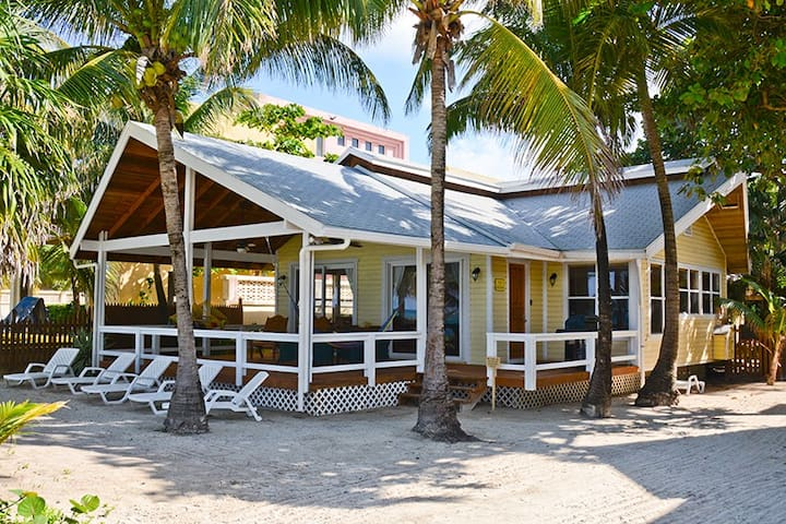 Casa Martin - Private beach front house on West Bay Beach.