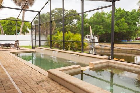 Private Home-Walk 2 Village/Beach-Heated Pool/Spa