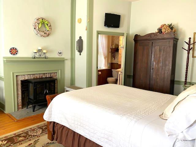 Bedroom 2 - Berks Room