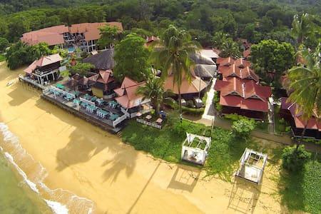 Paya Beach Resort, Tioman Island - Bed & Breakfast