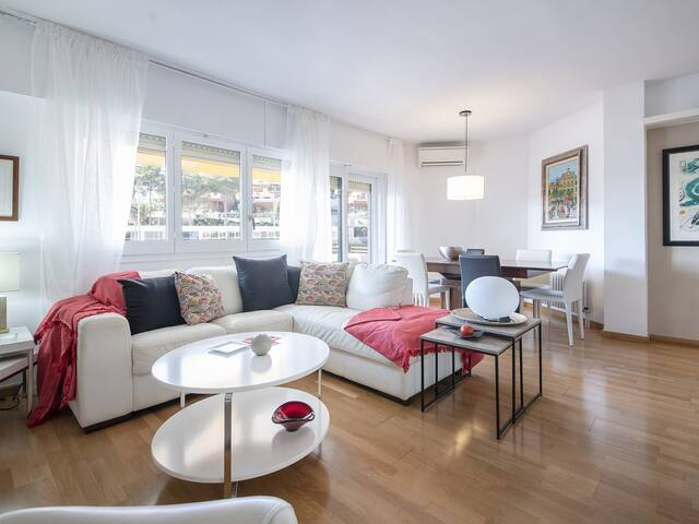 Tennis Apartment 5 minutes from the beach