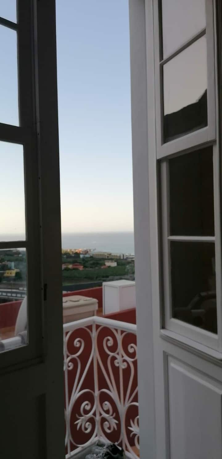 Single room with direct sea view  canarian house