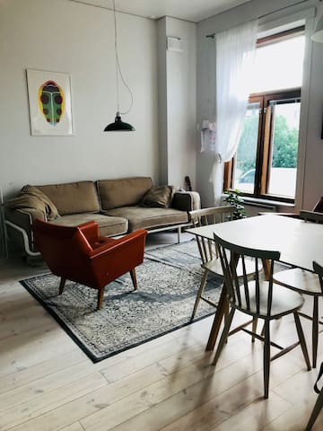 Light and cosy apartment in lovely neighborhood!