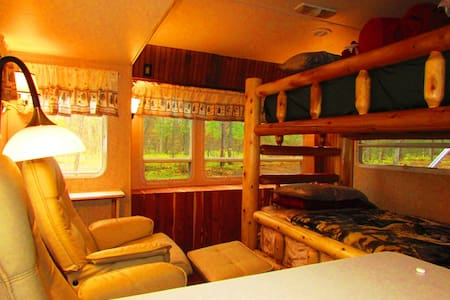 The Franklin Cabin RV at Best Bear - Irons - キャンピングカー/RV車