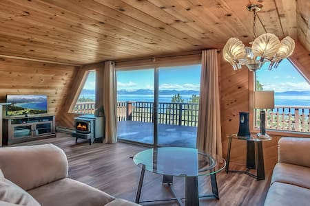 Spectacular Lake & Mountain View Zephyr Cove Cabin - Zephyr Cove-Round Hill Village - Maison