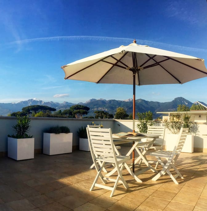 La terrazza rooftop dove rilassarsi con vista