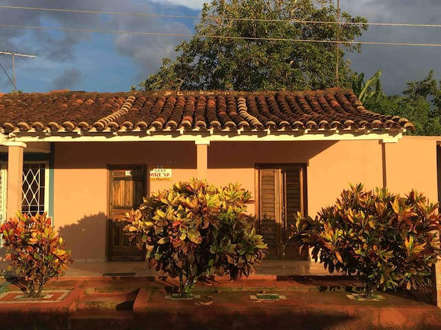 "Casa Mireya ""la maestra"" VISITENOS"