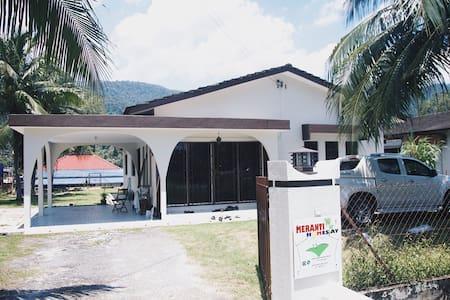 Meranti Homestay - Kampar - Rumah