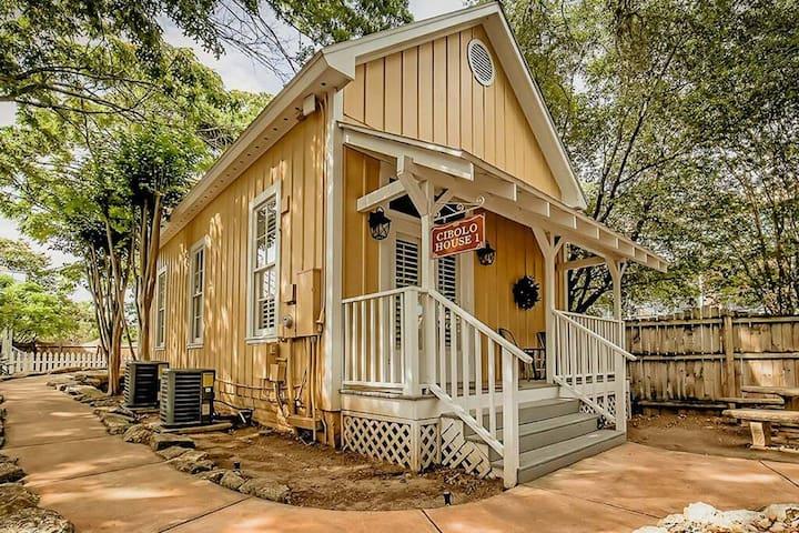 Cibolo House 1 Cottage