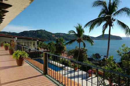 VISTA HERMOSA HOUSE, Room 3  (2 guests) - Zihuatanejo