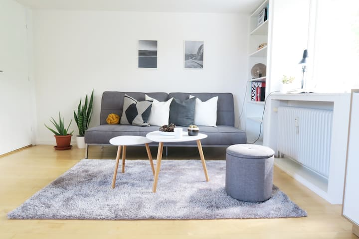 Modern Flat by Metro & 15 min to City/Airport