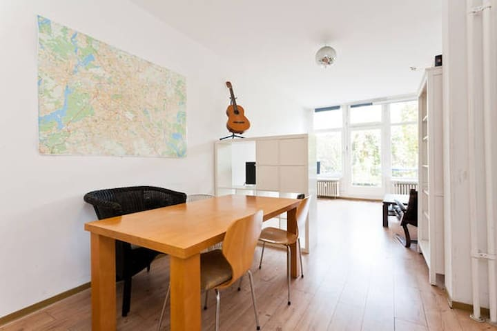 Private room in perfect location - Berlin - Appartement