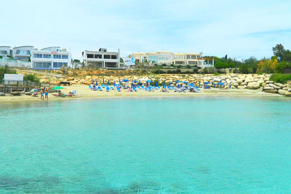 The nearest beach is just 1 minute walk!