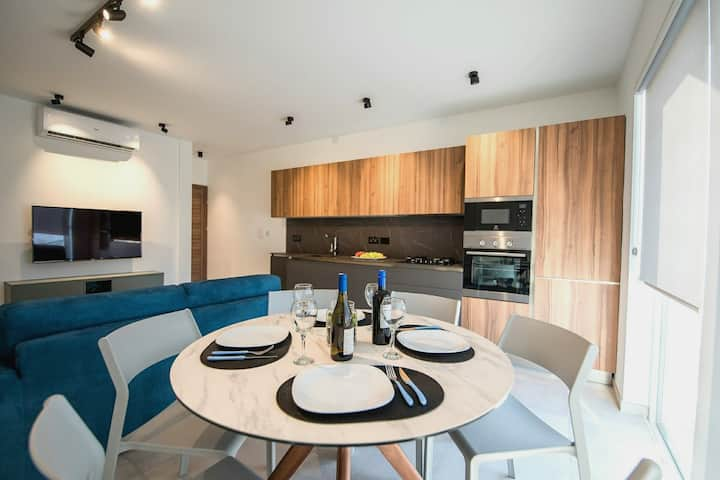 Brand new designer finished holiday apartment N5.