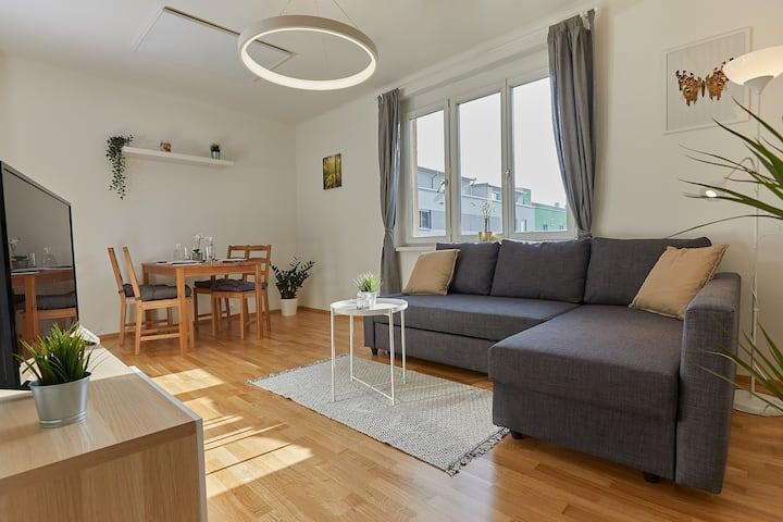 Helle & gemütliche Wohnung in zentraler Lage