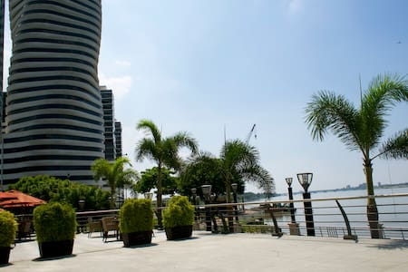 Downtown apartment with a great view. - Guayaquil - Lejlighed