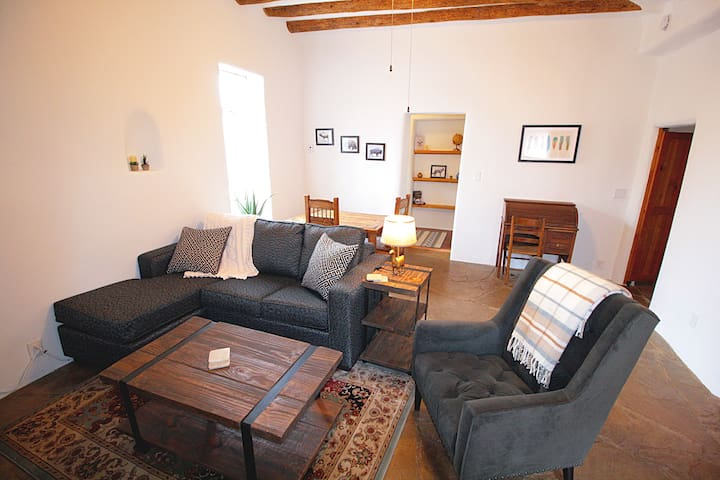 ★Closson Casita★Patio & Fire Pit |Near Plaza | 1BR