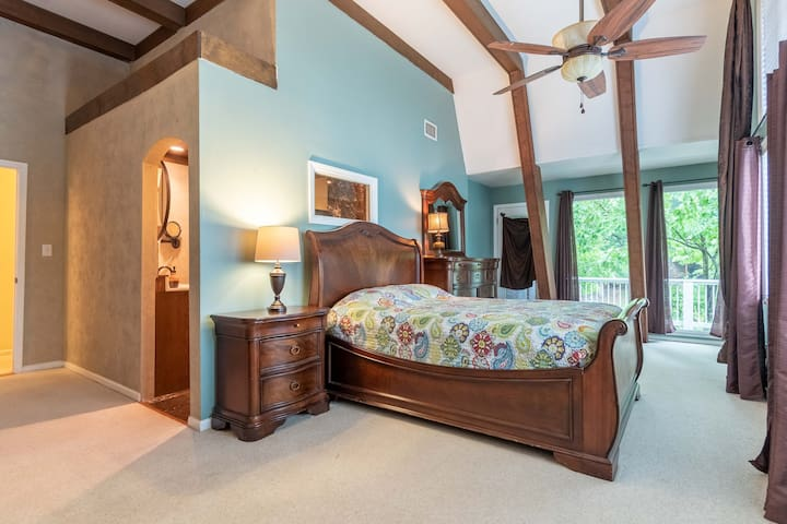 master suite with queen bed - best view of the lake!