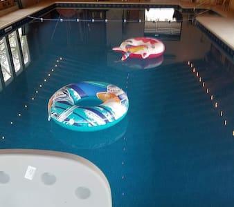 Amazing retreat with indoor  pool. pet friendly