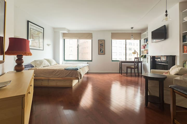 WEST VILLAGE CHARM - BEST LOCATION!