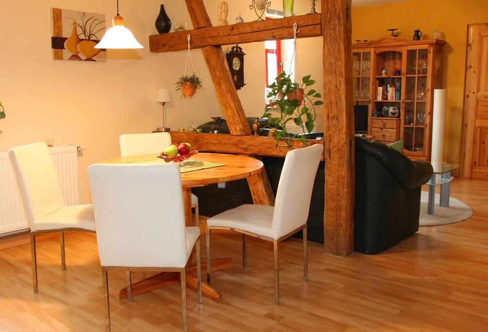 Ferienwohnung mit zwei Schlafzimmern, Küche, Bad und Balkon