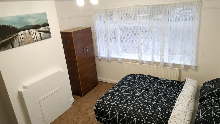 Peaceful, cosy room for 1 or 2 pers