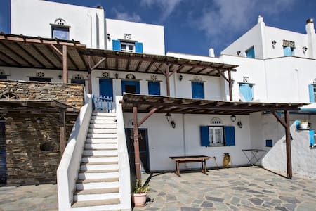 house with beautifull view for rent in TINOS - Dio Choria