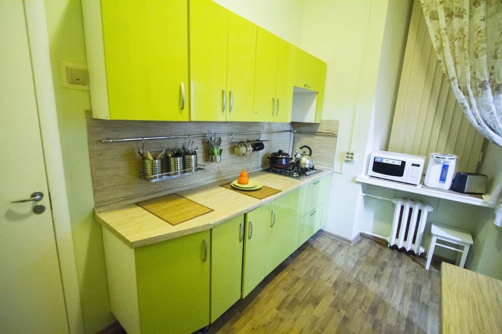 Кухня укомплектованная всем что необходимо
