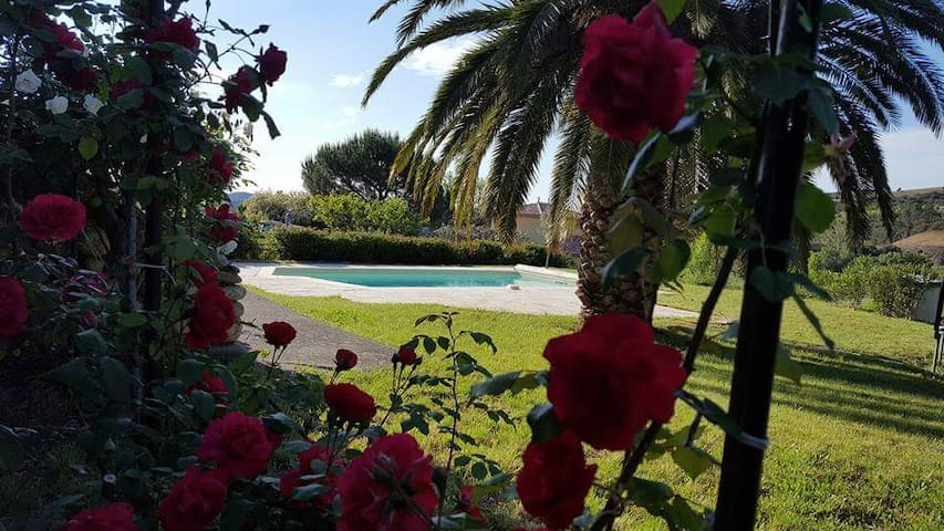 Tardevant villa with private pool - Berlou - Villa
