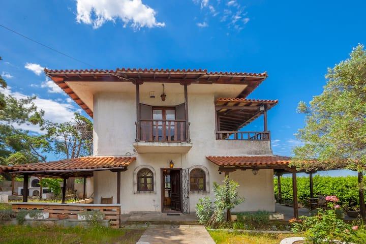 Traditional Unique Villa, Sea View, BBQ, Garden!!!