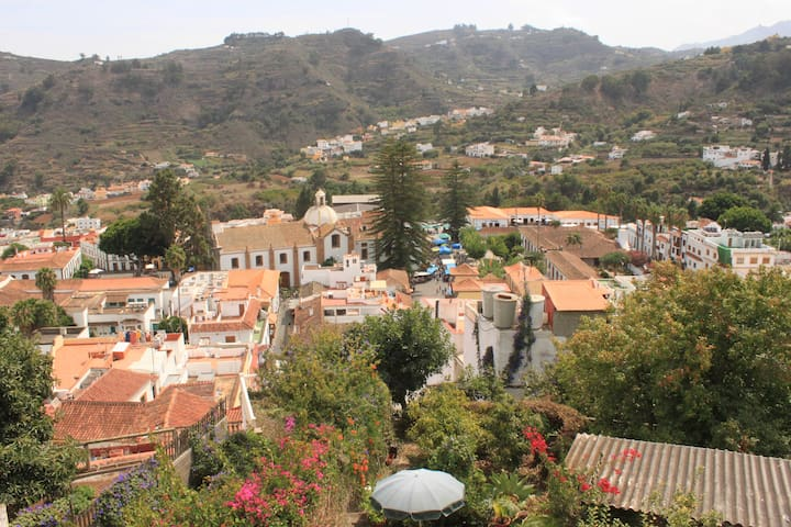 Haus mit Dachterasse+Garten in Teror, Gran Canaria - Teror - Stadswoning