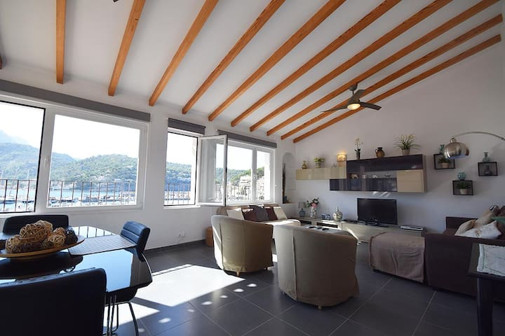 Penthouse flat in first line of Port de Sóller