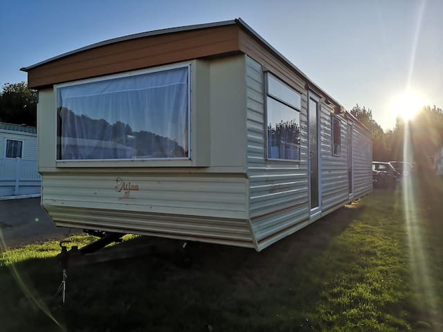 Static Caravan Warden Springs Beautiful sea Views.