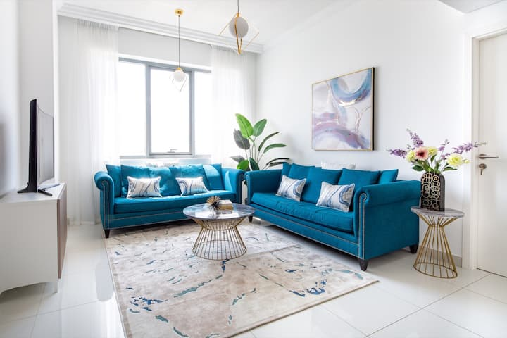 Stylish & Space-Savvy 1BR Apt in Business Bay