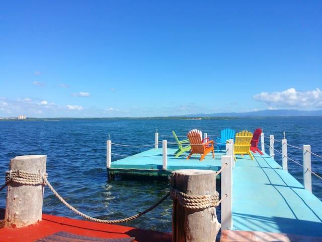 Alojamiento y restaurante junto al mar en La Punta