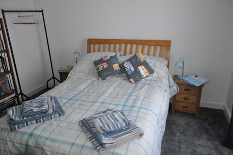 Florence's, spacious double bedroom in family home
