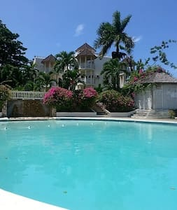 Sky Castle Studio Apartment - Ocho Rios