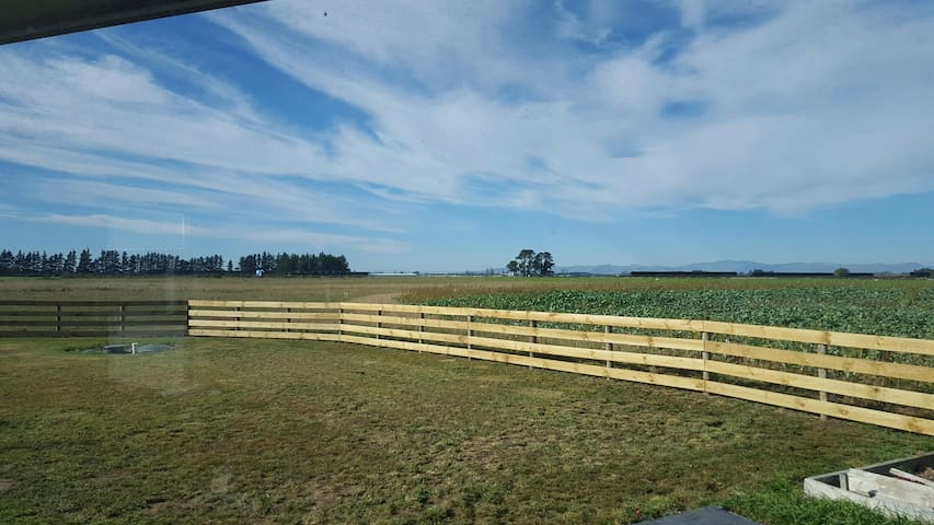 A Room with a Country View - Leeston