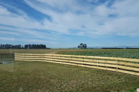 A Room with a Country View - Leeston - Leilighet