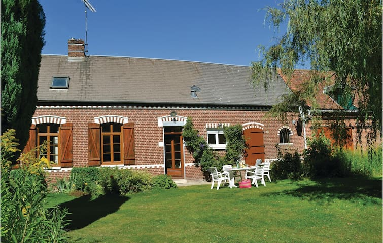 Holiday cottage with 3 bedrooms on 101m² in Thievres