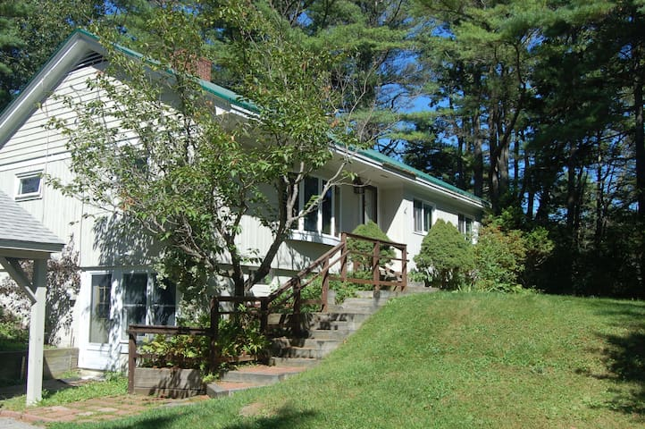Cozy 3 Bedroom Near Town, Surrounded by Nature - Freeport - House