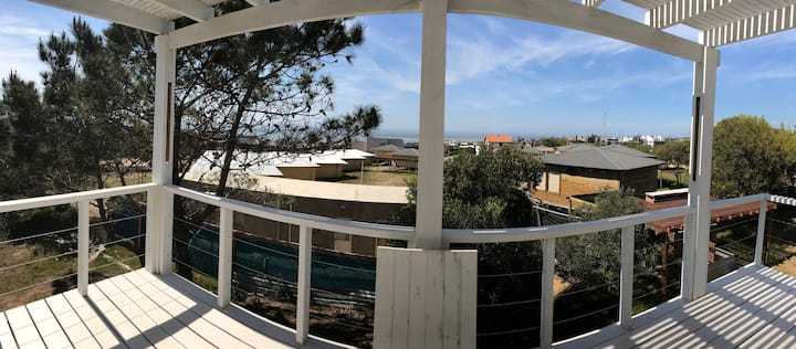 Ukukus Azul cabana con vista al mar