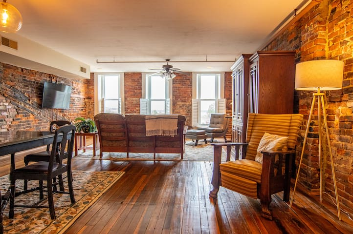 Historic Penthouse Apartment on Riverfront