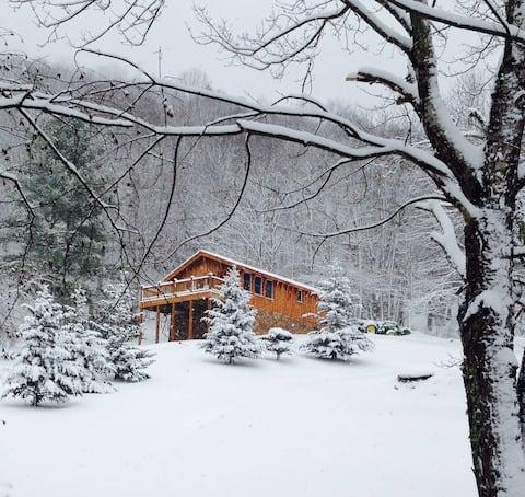 BirdTown Guesthouse - nat'l forest, private, quiet