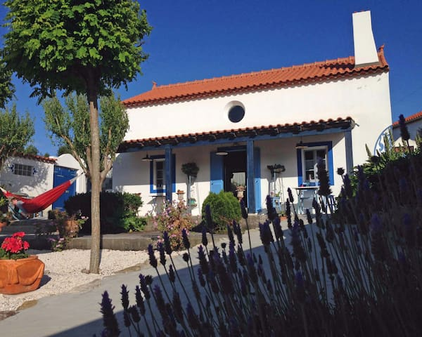 Charming Cottage with Natural Pool | Beach 10 mins - Caldas da Rainha - Casa