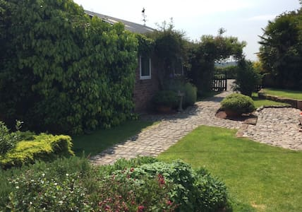 Self contained rural bungalow. - Haughton - Cabana