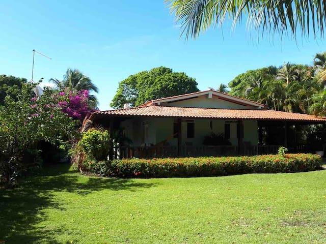 Casa de praia na Barra do Santo Antônio-AL