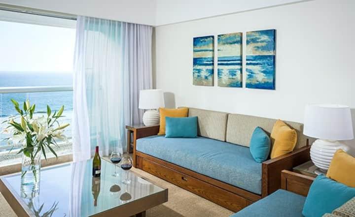 Family Suite at Mayan Palace (Acapulco)